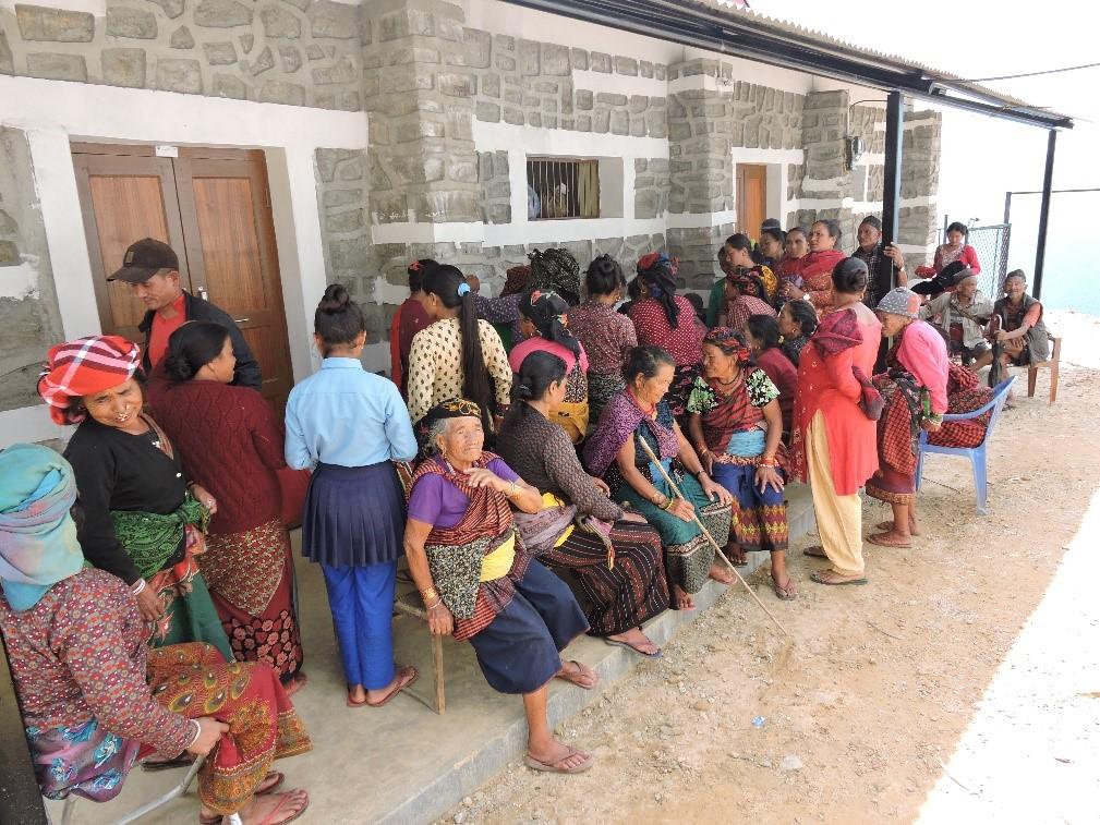 Wachtende patiënten in de rij voor fysiotherapie
