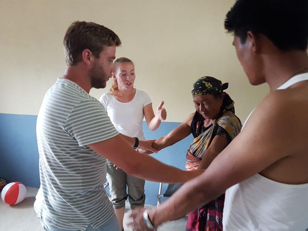 Oefeningen en groepsreis fysiotherapie in Azië